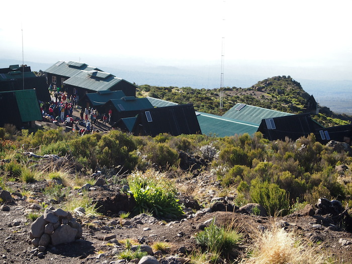 ホロンボハット全景。無事登頂してここに戻りたいと祈る