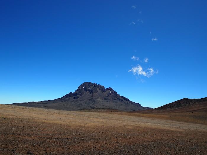 マウェンジ峰は登れないそうです