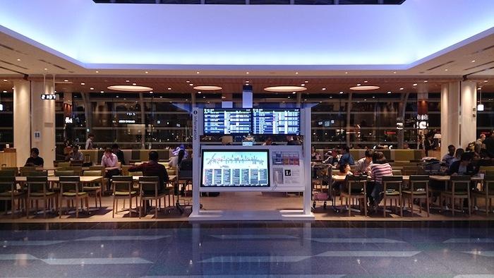 羽田空港初。夜の空港って好きです
