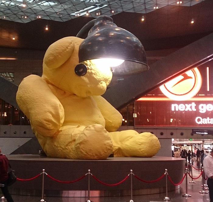 キリマンジャロ編でも紹介した、ドーハ空港名物の黄色クマ