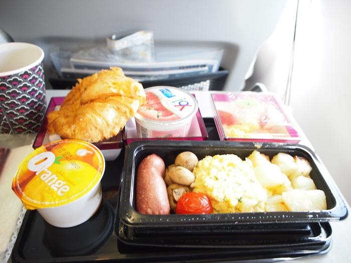 2回目の機内食。これも美味かった。