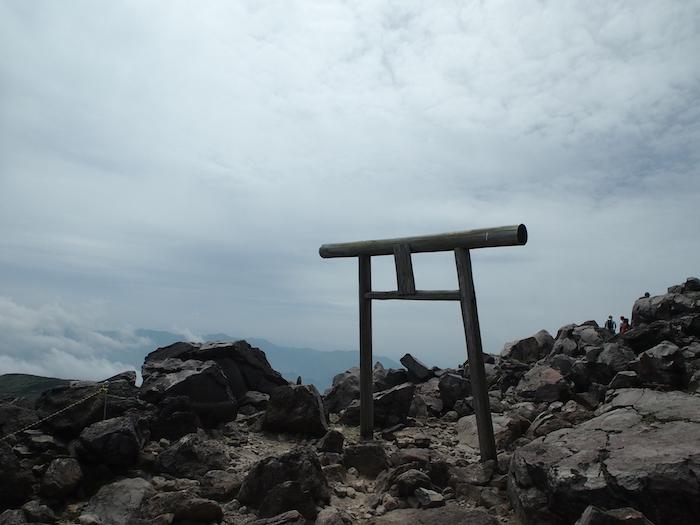 これが山頂神社の鳥居
