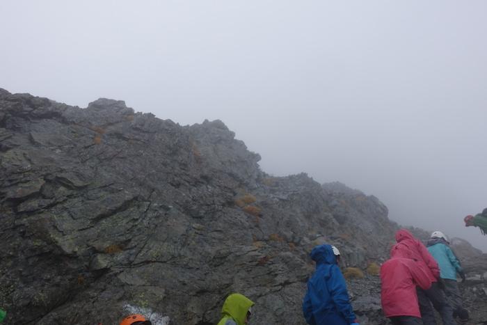これは岩登り直前。心はドキドキ