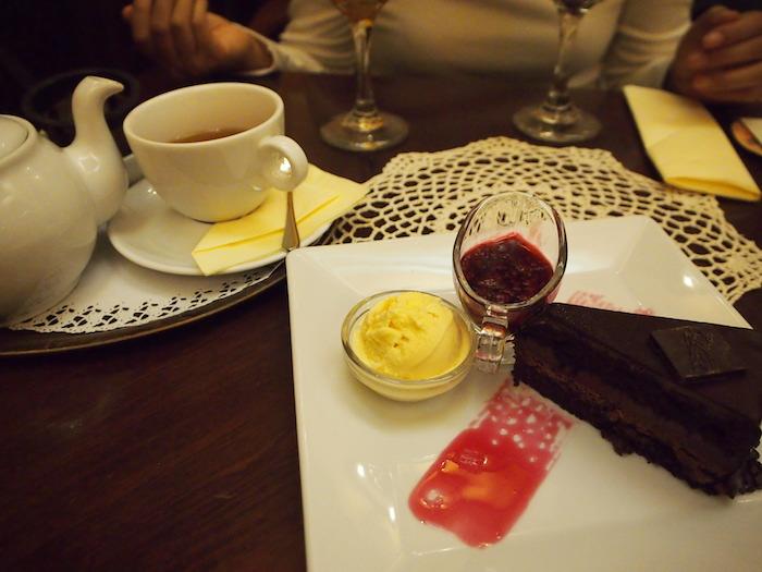 ワルシャワで食べたE.WEDELのチョコレートケーキ。濃厚&忘れられない美味