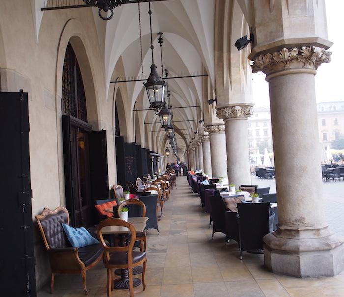 織物会館の1Fはオープンカフェ